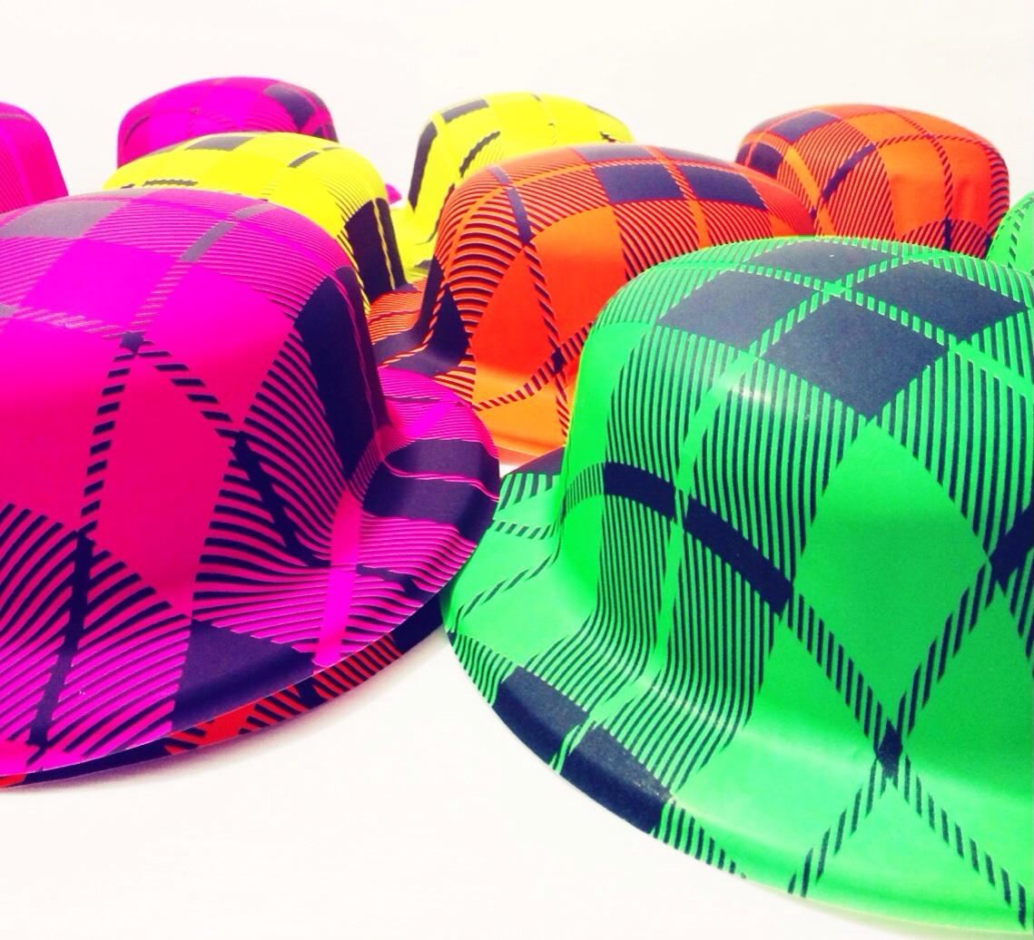 כובעים בהדפס זברה
